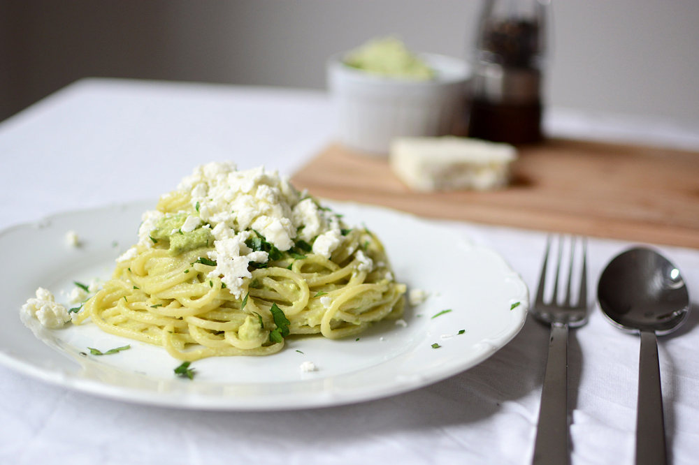 AvocadoSpaghetti von Pixi mit Milch | Studio Beryll